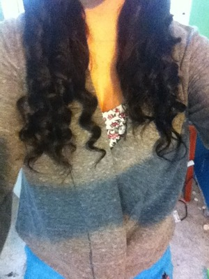 Ariana grande inspired curls<3