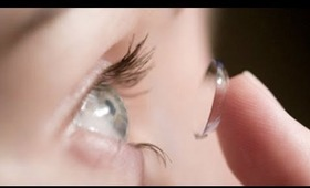 How To Apply Contact Lenses
