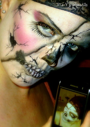 cracked skull and cracked doll combo Ms VersZsatile