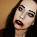 Halloween make-up: Sexy Vampire