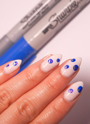 http://www.drinkcitra.com/2014/05/bubble-nail-art-twinsie-tuesday.html