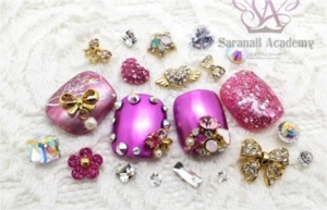 Lots of people think that nailart is for people who have long nails. However, there are a variety of nails for people who have short nails!  http://saranail.blogspot.kr/2014/02/saranail-pink-metalpink-metal-nailart.html Today I prepared nailart for only them!