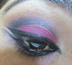 check here for tutorial http://www.srinjla.com/2013/11/30-days-eye-makeup-challenge-day27-step.html#.Unro_KWXvwI