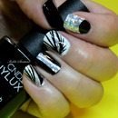black and white CND Vinylux  / Dashing Diva