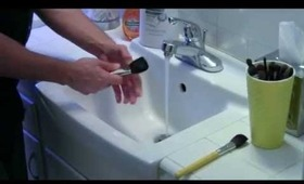 HOW TO WASH MAKEUP BRUSHES W MATHIAS pt1