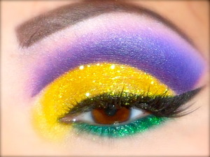 MARDI GRAS INSPIRED CUT CREASE WITH GLITTER..