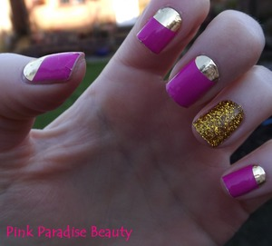 Kooky Nails Wraps & Gold Glitter Ring Finger