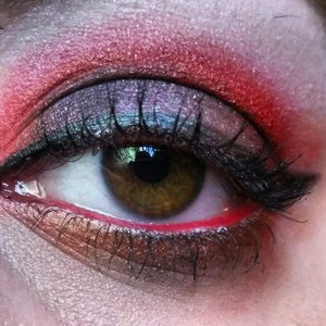 Products used: Concrete Minerals shades in Napalm, Mad Hatter and Risque. Urban Decay Primer Potion, Nyx Jumbo Pencil in Milk, Nyx Faux Lashes, Kat Von D's Tattoo Liner