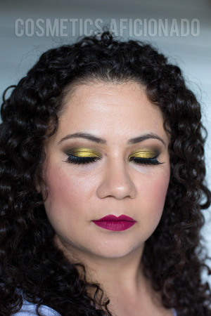 http://www.cosmeticsaficionado.com/face-of-the-day-antique-gold-for-fall/