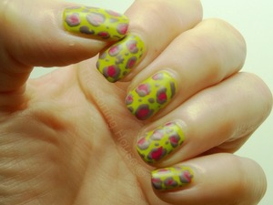 More info on the blog - http://thesortinghouse.co.uk/nails/abstract-leopard-nail-art/