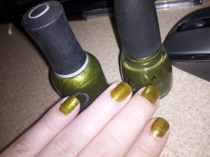 Index & Ring finger: China Glaze's 'Zombie Zest' Middle & Pinkie: Orly's 'It's not rocket science' Three coats each