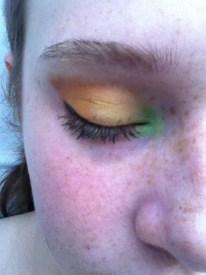 A quick fall look, bright but wearable