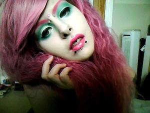 A perfect example picture of what you can use your Sugarpill eye shadows for, I have it on my lids, lips and eyebrows!!