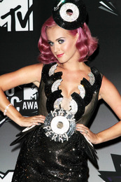 Katy Perry's Minx Nails at the MTV VMAs!