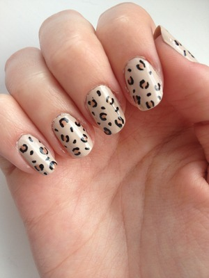 First attempt at leopard print nails - They smudged a bit when I applied top coat unfortunately but not bad I don't think for a first go :)
