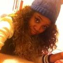 curly hair & eye liner