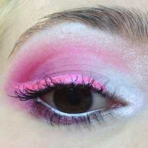 I thought I'd create a soft girly, but bright Valentine's day inspired look. I had to incorporate Sugarpill's Birthday girl and Love+ cause they're the perfect colours for lovey-dovy kinda stuff and I can't go pink glitter without using Eye Kandy Cotton Candy!   http://michtymaxx.blogspot.com.au/2013/02/valentines-inspired-look.html