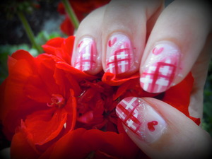 Perfect Nail Look during Summer!  Bourjois 1 seconde 06 Rose Cupcake