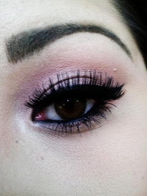Very Dramatic Falsies with a soft smokey eye. The colors are washed out but the main event (falsies) look beautiful. :)