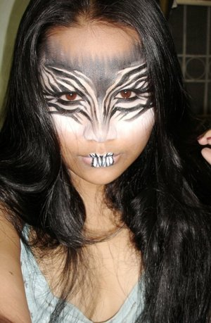 """zebra stripes""  my super love love frnd requested the look.. muaah! here it is dondon ^_^ hope u like it *hugs*  i used nyx jumbo milk pencil.. and maybeline black eyeliner gel pot."