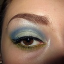 Blue Cut Crease a pop Of Green