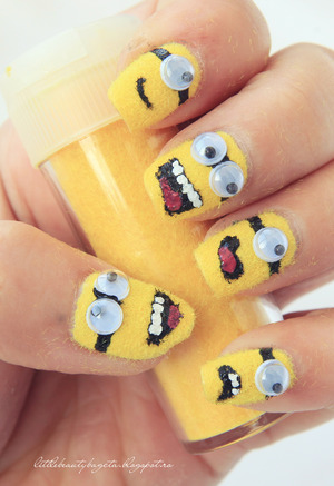 more photos here:  http://littlebeautybagcta.blogspot.ro/2013/03/yellow-nails-colaborare-31-de-teme-de.html