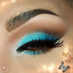Classic blue makeup :)  INSTAGRAM @auroramakeup