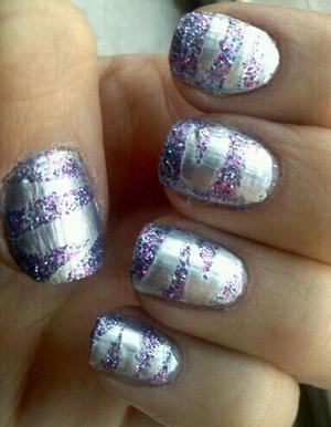 New Years Eve manicure... A happy and sparkly 2012 to you all :)