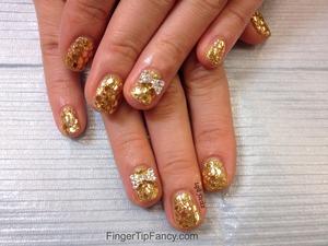 DETAILS HERE - http://fingertipfancy.com/gold-hologram-nails