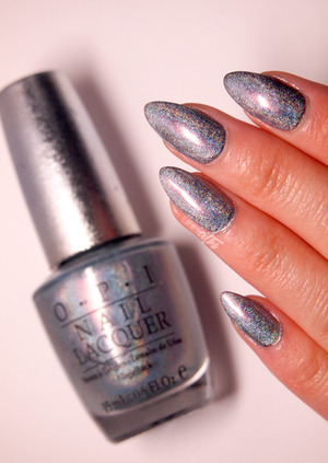 http://www.drinkcitra.com/2014/04/gifted-polish-opi-ds-sapphire-twinsie.html