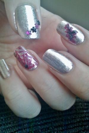 Pink spiderweb nails