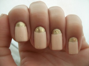 Polishes Used: Sally Hansen Xtreme Wear - Golden-1 and Sinful Colors - Easy Going.