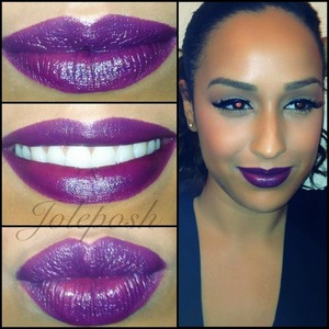 My go to #winter #makeup look: thick liner paired with a dark lip 💜