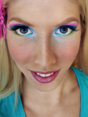 Blue, green and pink eye look