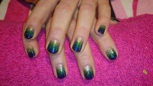 Gel Polish Gradient Nail Art. Peacock shade of Blue, Green & Gold