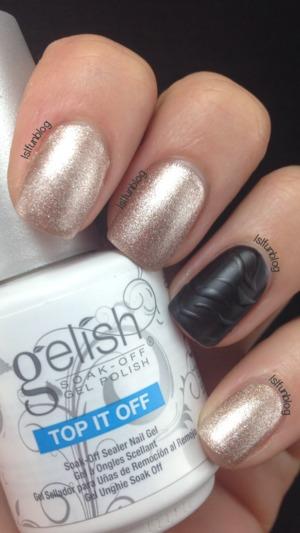 http://lslfun.blogspot.com/2014/12/black-and-gold-holiday-nails.html