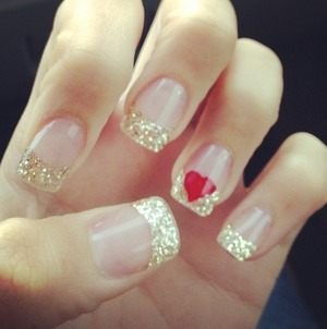 My love nails love the gold!!!