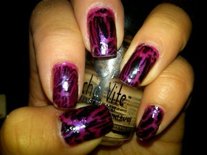 crackle with hot pink