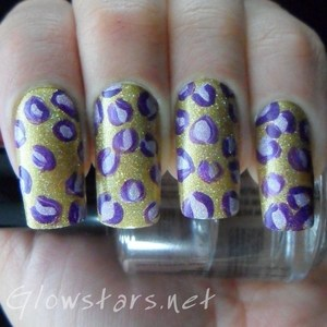 A holo leopard print mani. To find out more about these nails visit http://glowstars.net/lacquer-obsession/2012/09/30-days-of-untrieds-animal-print