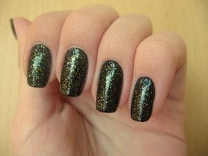 http://arvonka-nails.blogspot.sk/2012/06/flormar-395-zenska-nerozhodnost.html