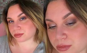 Make-Up In Real Time Using The KVD Por Vida Palette