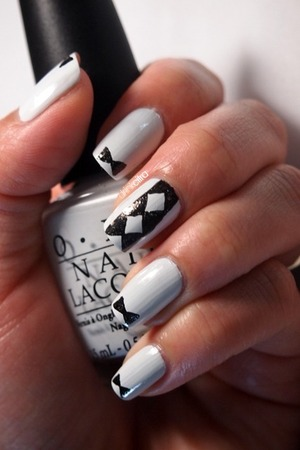 31 Day Nail Challenge: Day 7 Black and White
