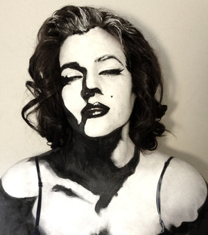 Here is a body paint I created based off a popular Marilyn Monroe  silhouette photo.