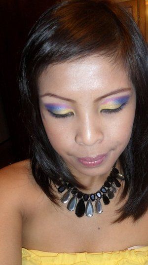 I used 5 colors for this look including the highlighter!