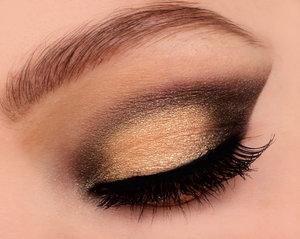 Please follow me on IG for more looks: http://instagram.com/makeupbyeline