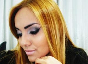 http://makeadriana.blogspot.com