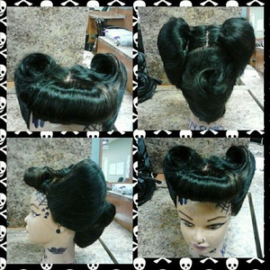 rockabilly hairstyle,