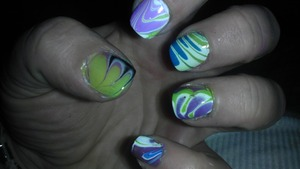 nail marbling technique on short nails