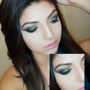 GREEN & GOLD SMOKEY EYE
