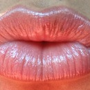 Lip liner and clear gloss ... Can't remember the kind